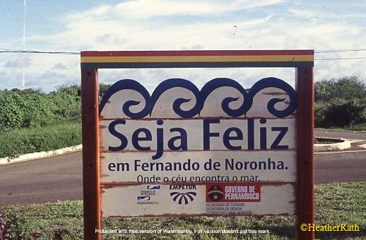 'Be Happy in Fernando de Noronha'